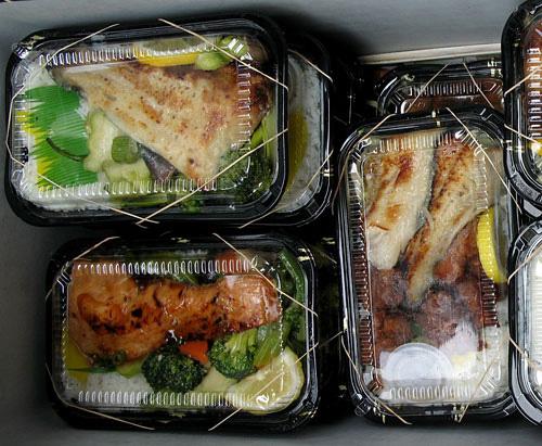 plate lunch presentation 101 tasty island. Black Bedroom Furniture Sets. Home Design Ideas