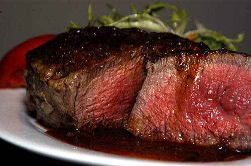 Pan-seared Filet Mignon with Shallot Wine Sauce